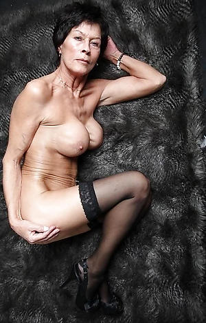 Older mature pussy second-rate photos