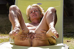 Older mature pussy scanty pictures