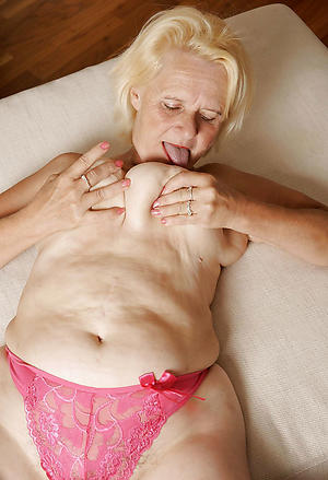 Nude older mature pussy