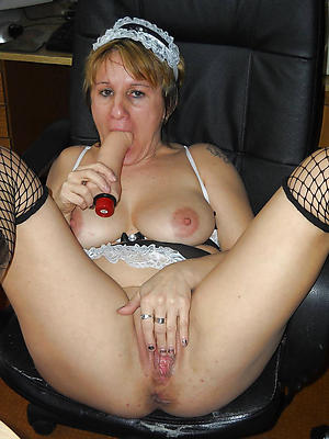 Naughty mature definitive porn pics