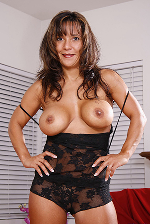 Naked mature classic pictures