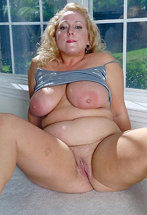 Horny private mature sex pics