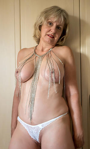 Naughty mature private sex gallery