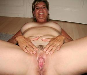 Hatless mature homemade sex gallery