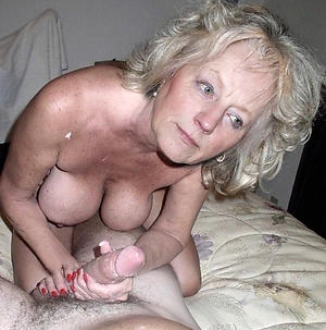 Amateur homemade full-grown wife