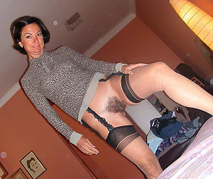 Xxx mature brunette bird