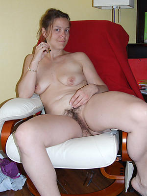 Handsome mature subfuscous woman