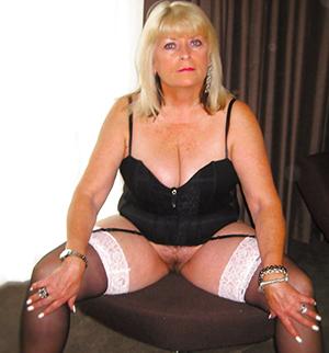 Mature erotic ladies pictures