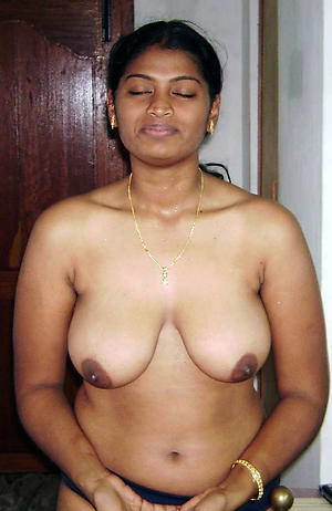 Nude indian grown up amateur picture
