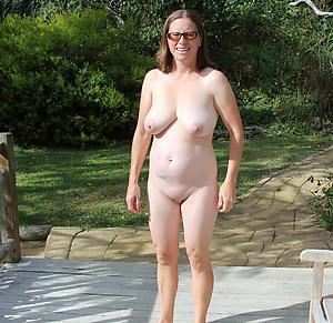 Natural mature breasts bush-leaguer pictures