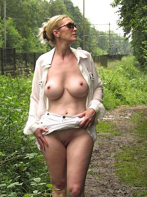 Pretty white mature women amateur pictures