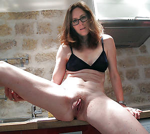 Free mature european pussy gallery