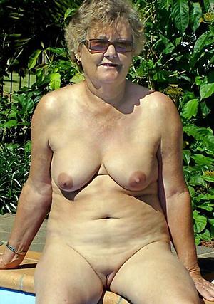 Attractive sexy grandma Bristols pics