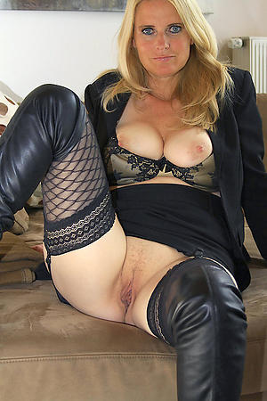 Looking for girlfriend porn pics