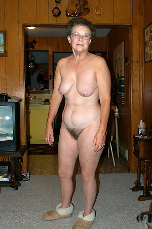 Hot unshaved mature women pics