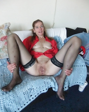 Charming mature amateur homemade porn