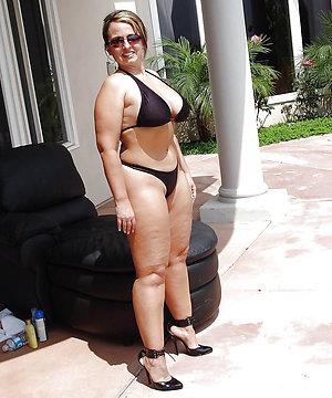Xxx mature bikini model pics