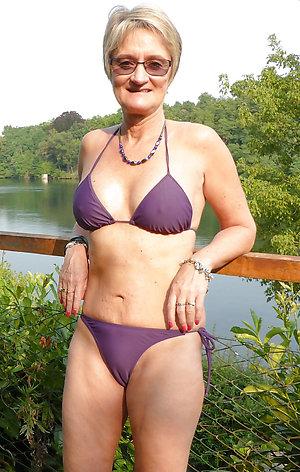 Free sexy mature bikini gallery