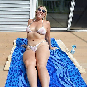 Hot matures in bikinis amateur pics