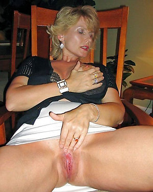 Inexperienced mature blonde photos