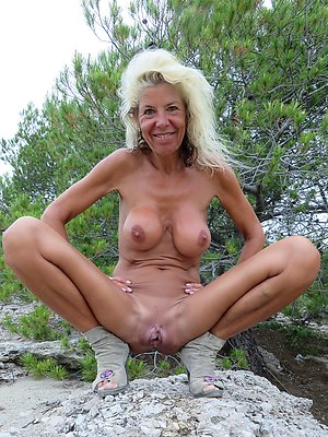 Real horny mature blonde photos