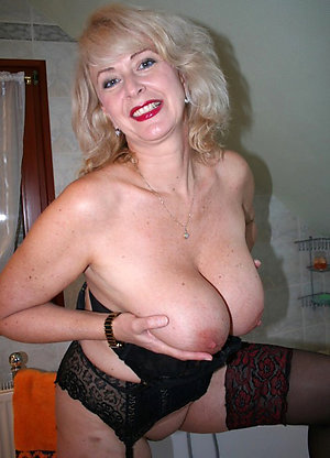 Beautiful mature blonde nude pictures