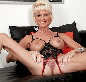 Nice mature blonde sex