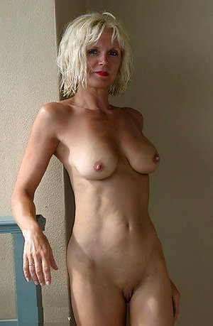 Mature Blonde Pictures
