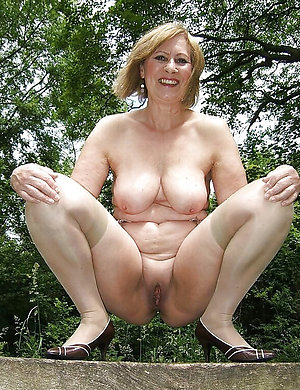 Free sexy blonde ladies pics