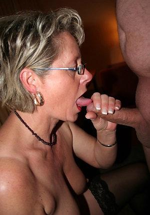 Handsome mom blowjob porn pics