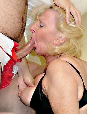 Mature mom teaches to give blowjob pics
