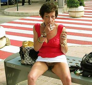 Amateur pics be proper of adult older woman