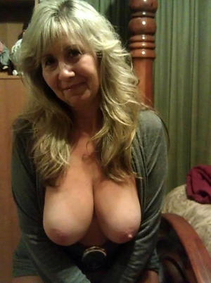 Mature older woman naked photos