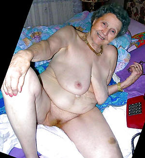 Amateur pics of nude grandmothers