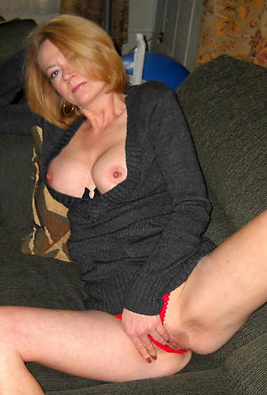 Amateur mature white women porn pics