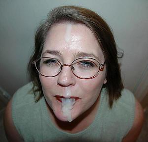Slutty full-grown mom cumshot