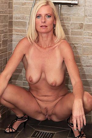 Amateur mature women xxx nude pics