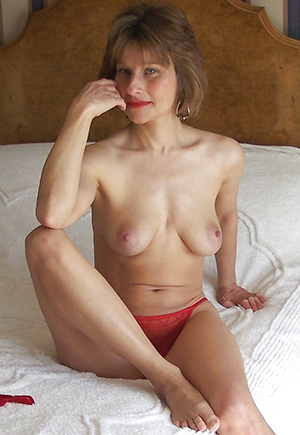 Amateur incomparable mature babes