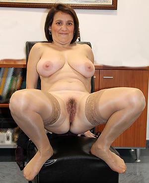 Xxx single mature ladies amateur photos