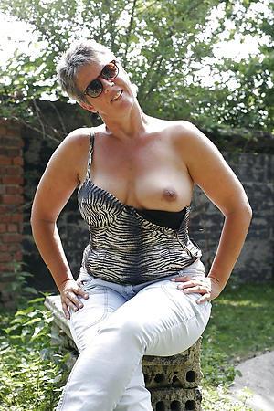 Matured single women porn pics