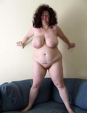 Mature single women dabbler nude pics