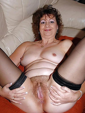 Amateur mature single women
