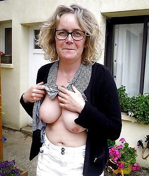 Bohemian sexy mature women photos