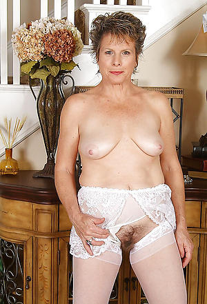 Pretty older mature granny sex pics