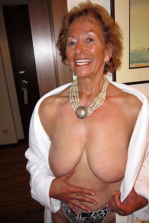 Dabbler pics of older mature granny