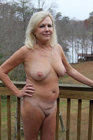Nude private milf pics