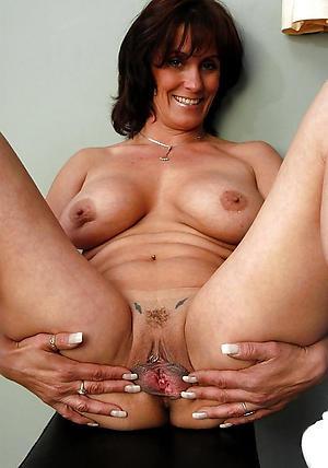 Nude amateur mature whores pics