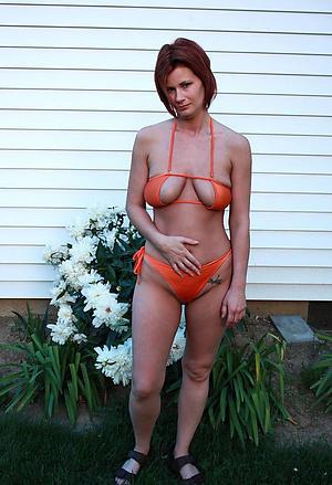Busty mature women in bikinis porn pics