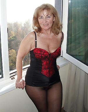 Amateur porn pics of mature women pantyhose