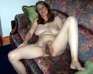 Naked mature unshaved pussy pics